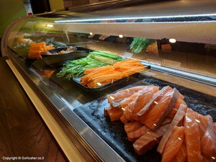 דג וירקות להכנת סושי